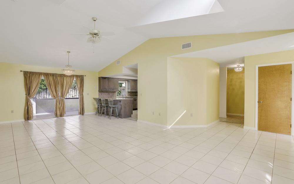 1403 SE 19th St, Cape Coral - Home For Sale 1016082455