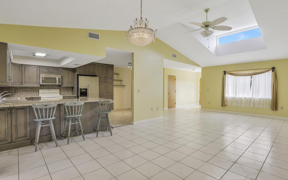 1403 SE 19th St, Cape Coral - Home For Sale 971868103