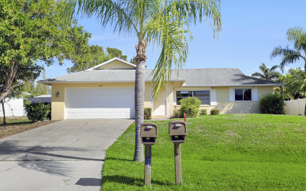 925 SW 29th St, Cape Coral - Home For Sale 1889343606
