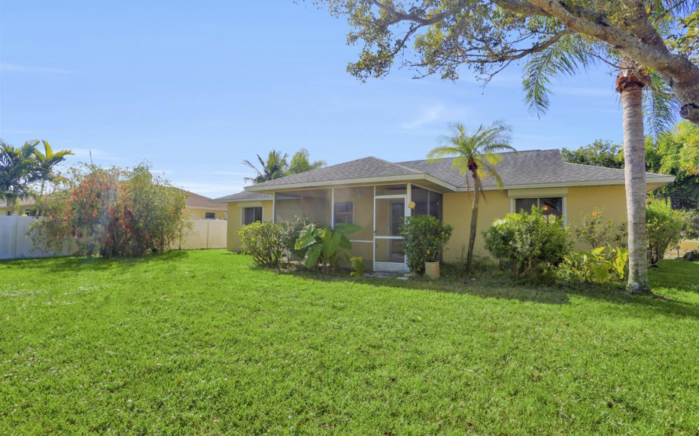 925 SW 29th St, Cape Coral - Home For Sale 830863231