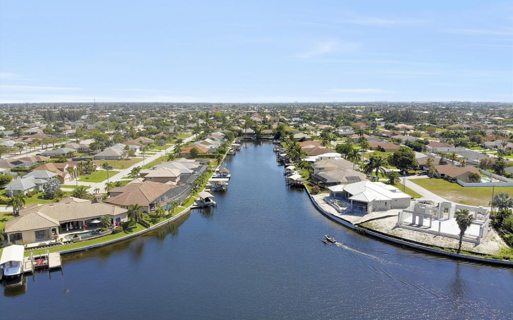 4822 Agualinda Blvd, Cape Coral - Home For Sale 440699040