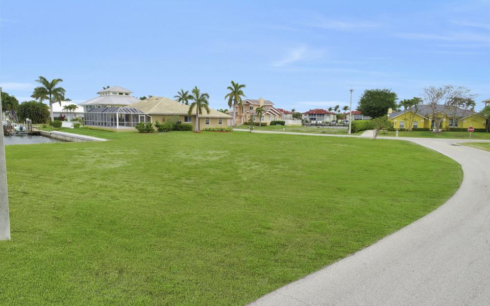 978 Bonita Ct, Marco Island - Lot For Sale 1361180045