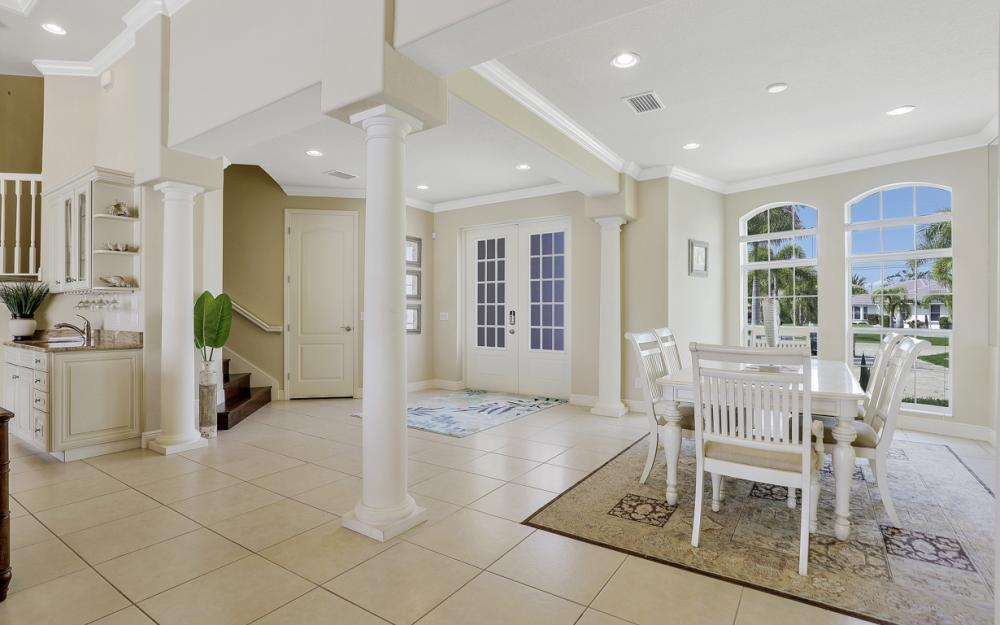 2502 SW 52nd Ln Cape Coral - Vacation Rental  1405865805