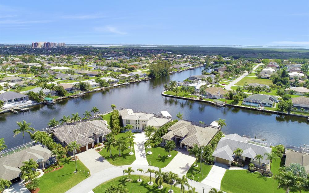 2502 SW 52nd Ln Cape Coral - Vacation Rental  217144966