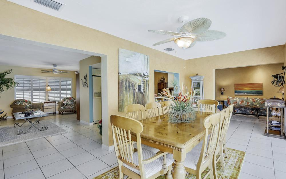 438 Capri Ct, Marco Island - Home For Sale 1218929164