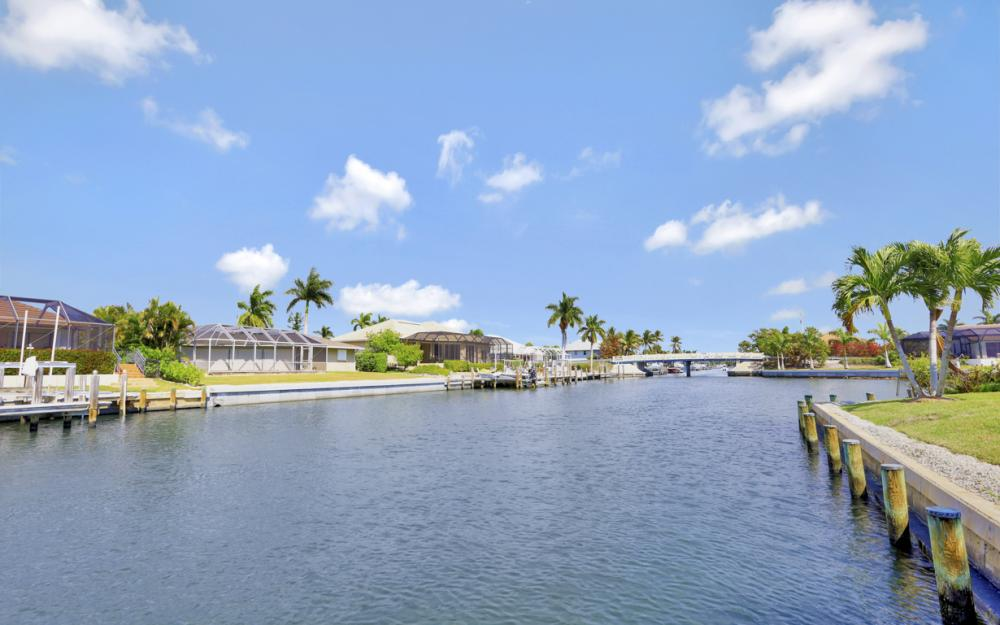 438 Capri Ct, Marco Island - Home For Sale 1173867129