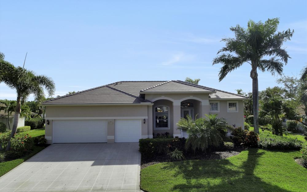 27121 Driftwood Dr, Bonita Springs - Home For Sale 39800499