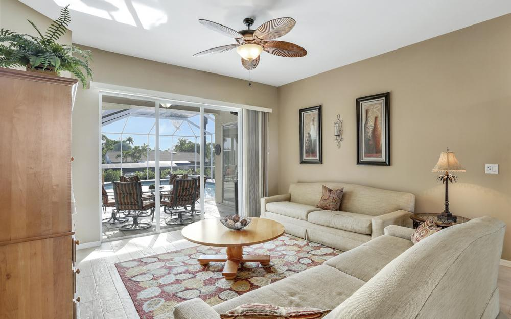 27121 Driftwood Dr, Bonita Springs - Home For Sale 209968011