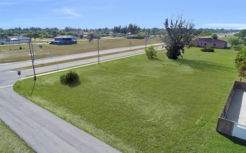 2106 Skyline Blvd, Cape Coral - Lot For Sale 1046410965