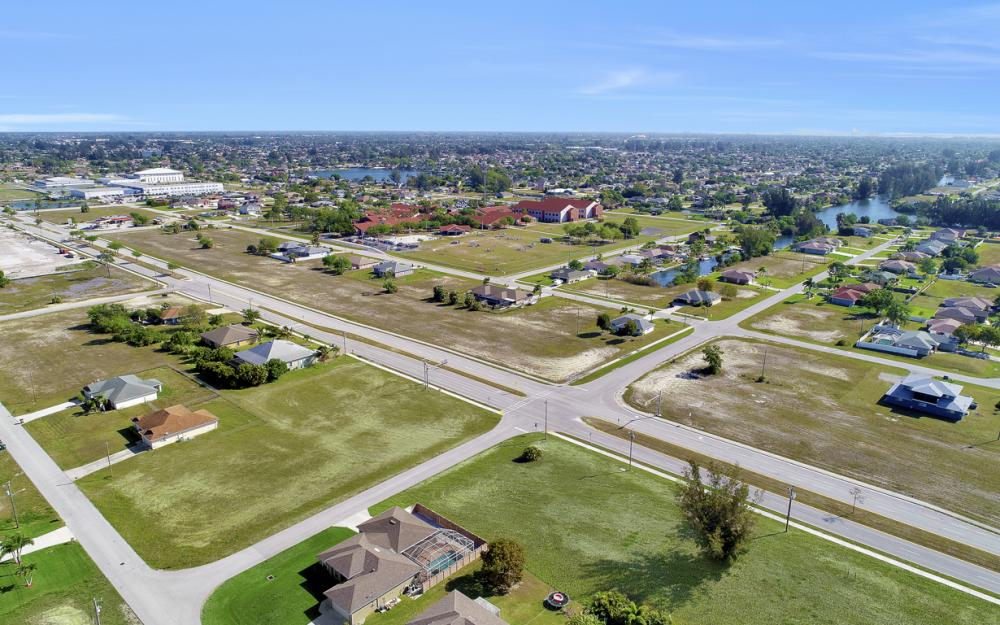 2106 Skyline Blvd, Cape Coral - Lot For Sale 256453778