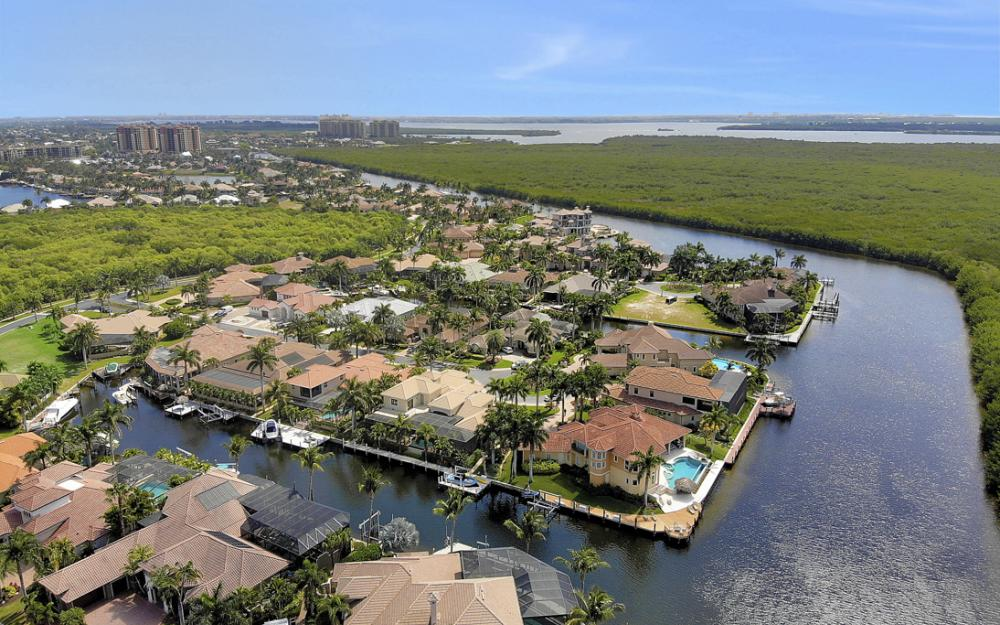 5648 Yardarm Ct, Cape Coral - Home For Sale 1699140813