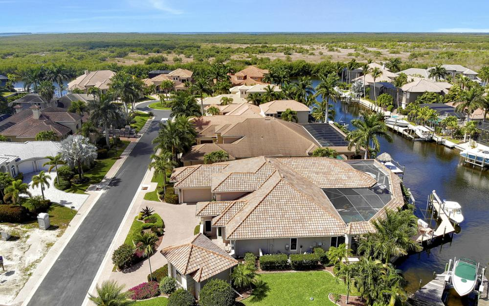5648 Yardarm Ct, Cape Coral - Home For Sale 139802102