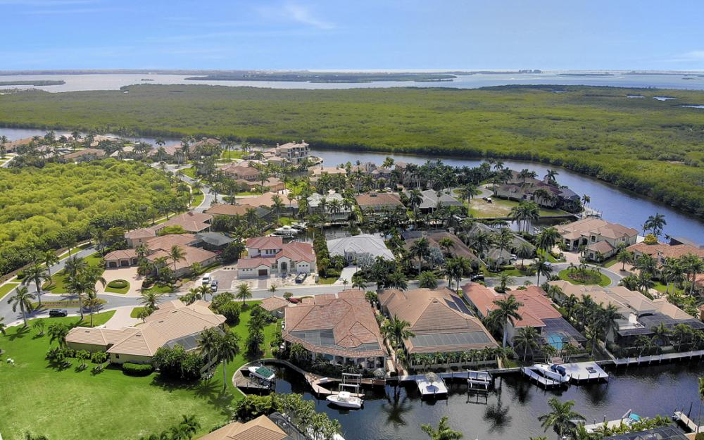 5648 Yardarm Ct, Cape Coral - Home For Sale 232931288