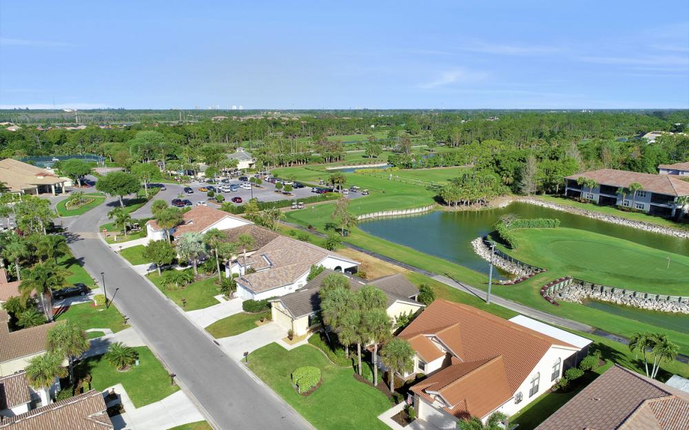 12609 Hunters Ridge Dr, Bonita Springs - Home For Sale 158374951