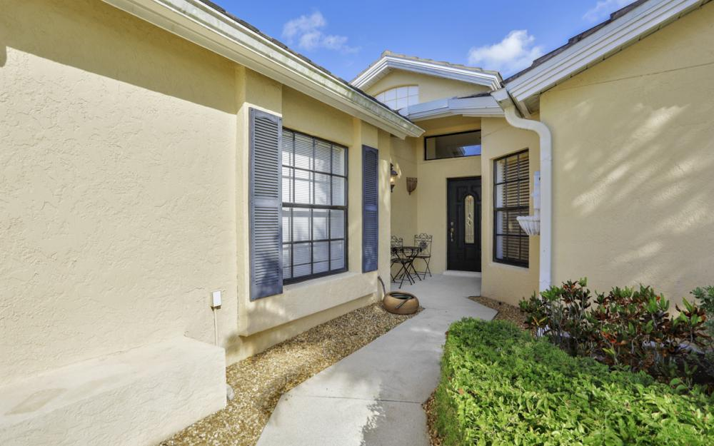 12609 Hunters Ridge Dr, Bonita Springs - Home For Sale 625517741