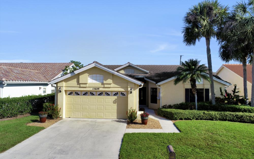 12609 Hunters Ridge Dr, Bonita Springs - Home For Sale 764228333