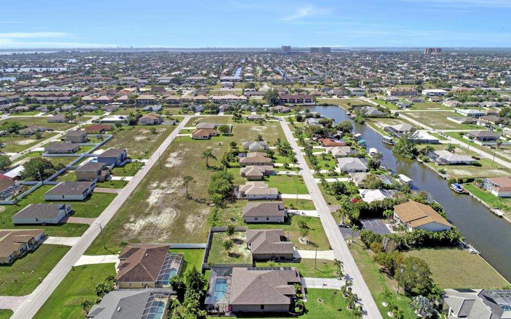 4525 SW 10th Ave, Cape Coral - Home For Sale 1043368550