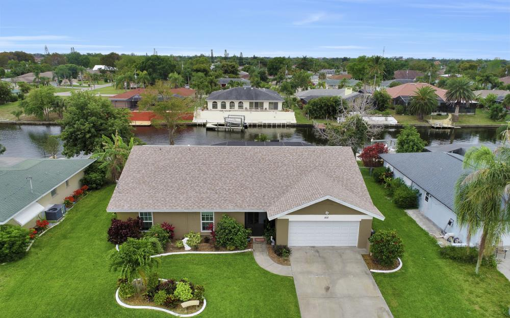 802 SE 33rd St, Cape Coral - Home For Sale 2074789510