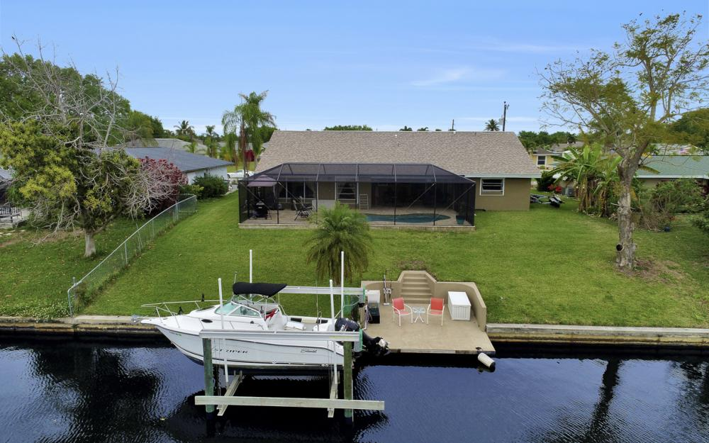802 SE 33rd St, Cape Coral - Home For Sale 1379605724