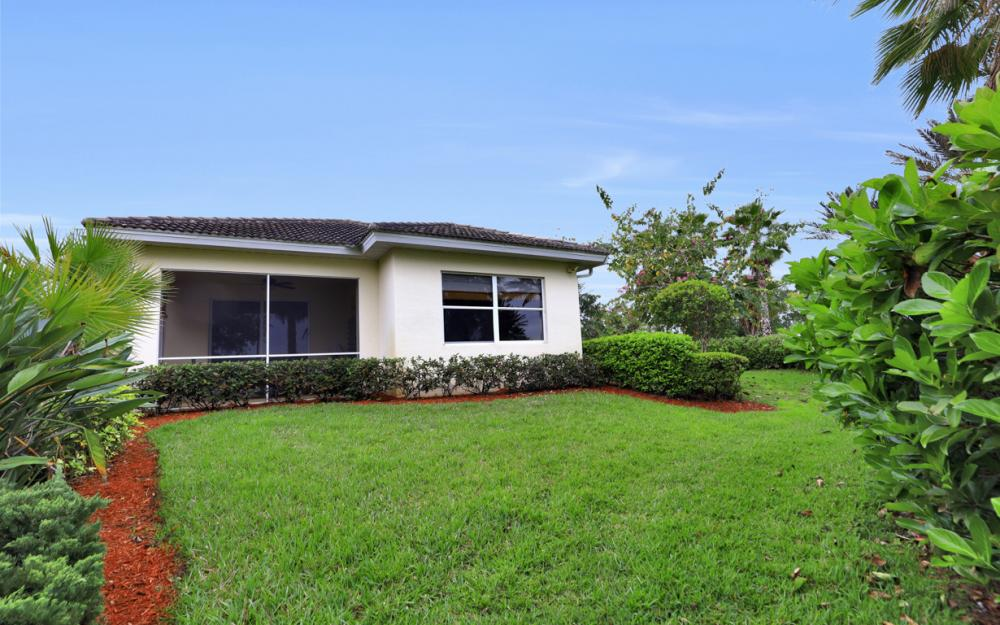 10512 Avila Cir, Fort Myers - Home For Sale 2138642084
