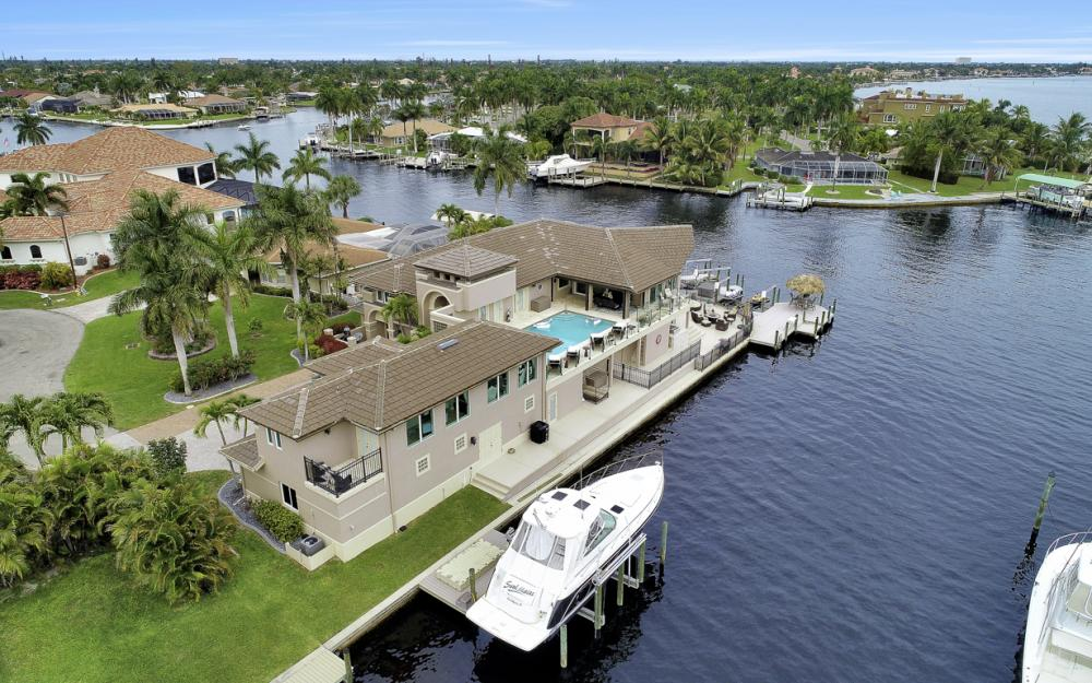101 SW 58th St, Cape Coral - Home For Sale 37905091