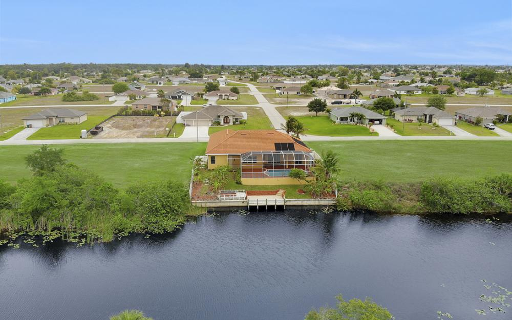 3054 NW 4th Pl, Cape Coral - Home For Sale 1138566325