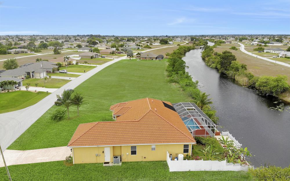 3054 NW 4th Pl, Cape Coral - Home For Sale 1848572518