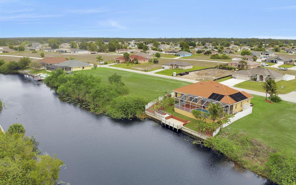 3054 NW 4th Pl, Cape Coral - Home For Sale 1319232342
