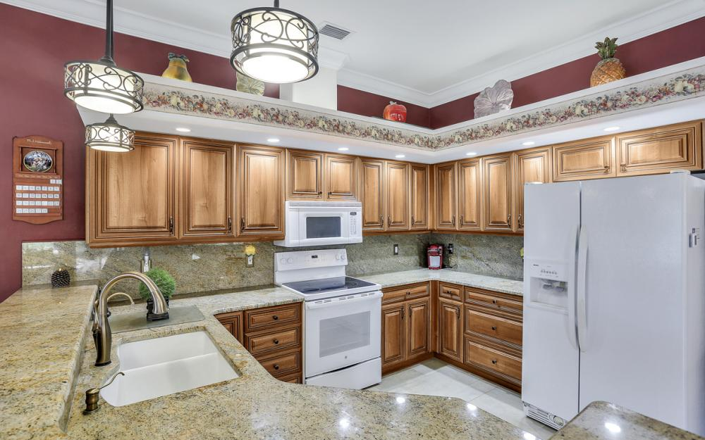 13100 Southampton Dr, Bonita Springs - Home For Sale 6424585
