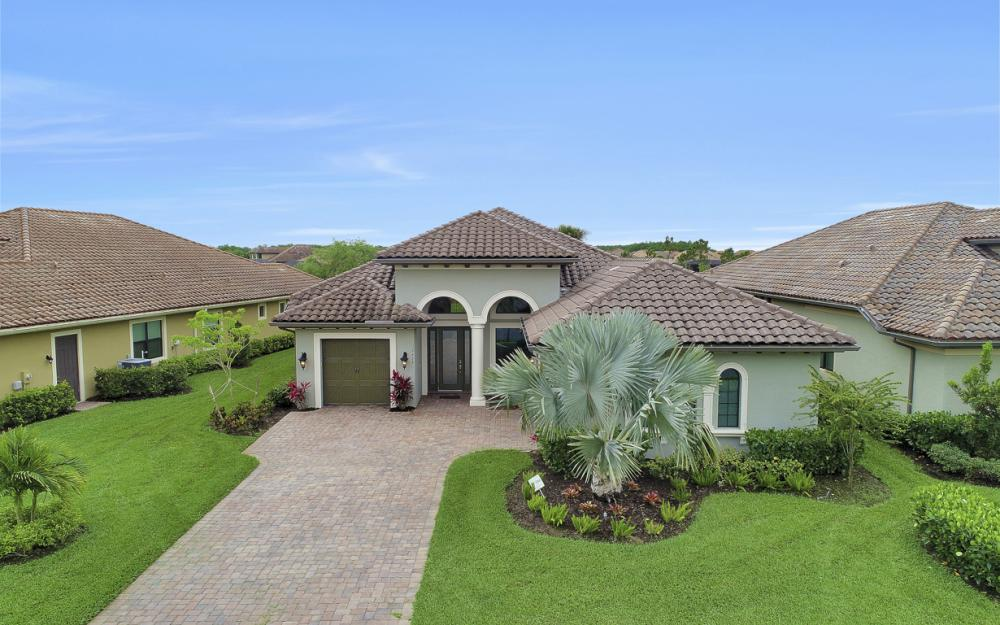 12438 Lockford Ln, Naples - Home For Sale 830997260