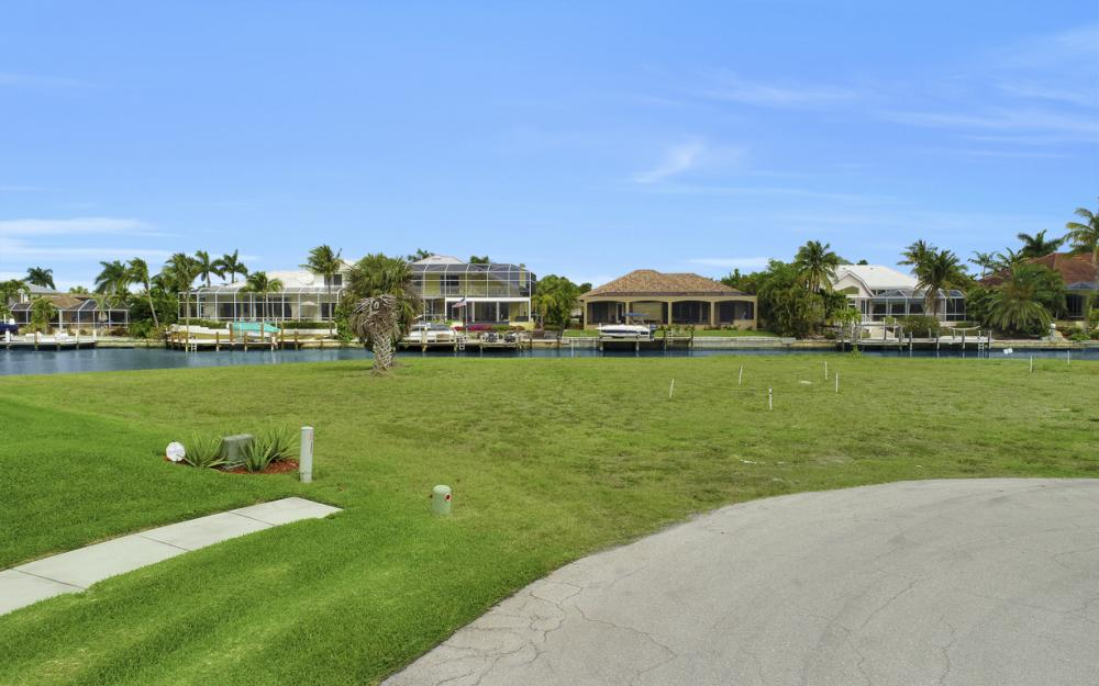 640 Blackmore Ct, Marco Island - Lot For Sale 1254081395