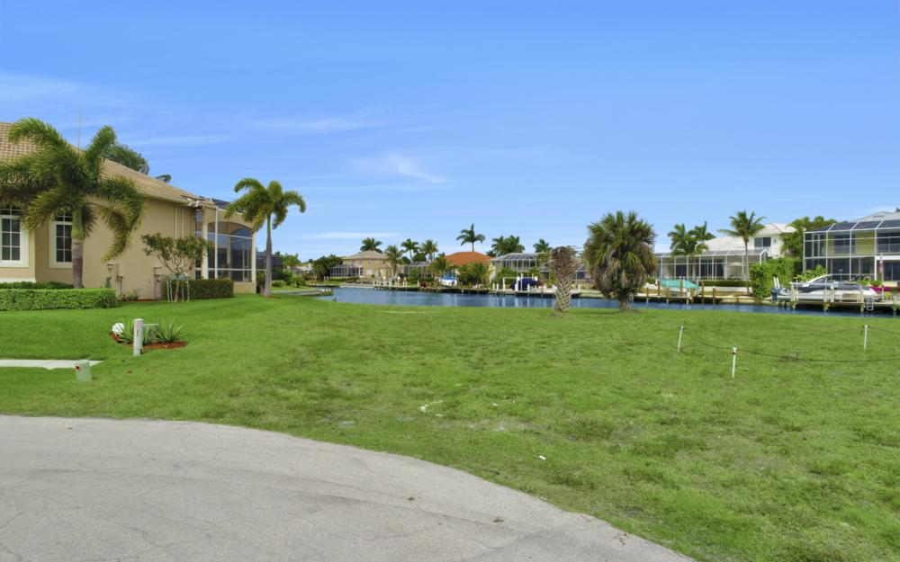 640 Blackmore Ct, Marco Island - Lot For Sale 1835906005