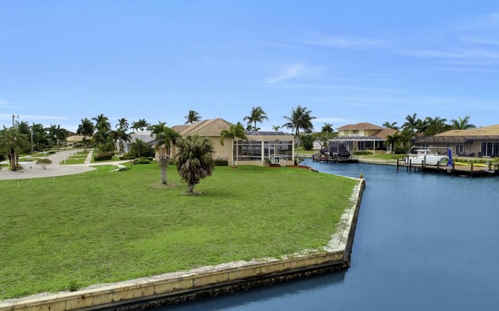 640 Blackmore Ct, Marco Island - Lot For Sale 885470802