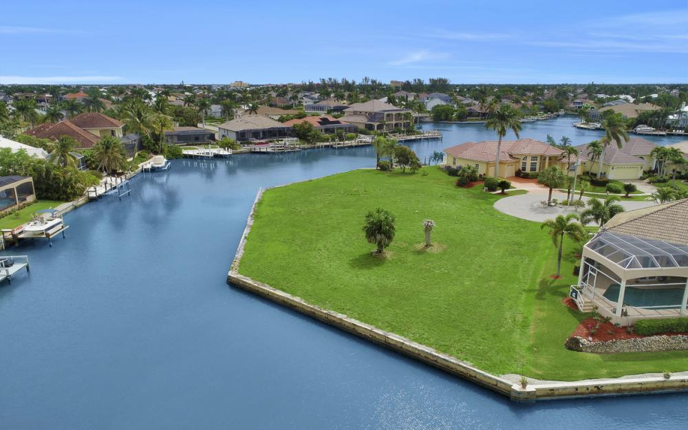 640 Blackmore Ct, Marco Island - Lot For Sale 212807370