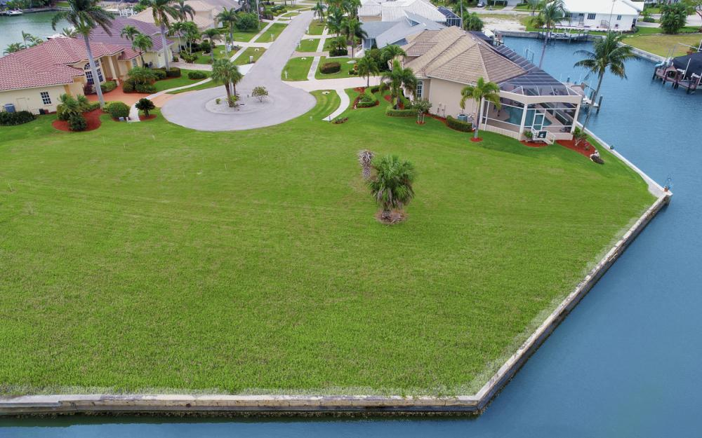 640 Blackmore Ct, Marco Island - Lot For Sale 858603671