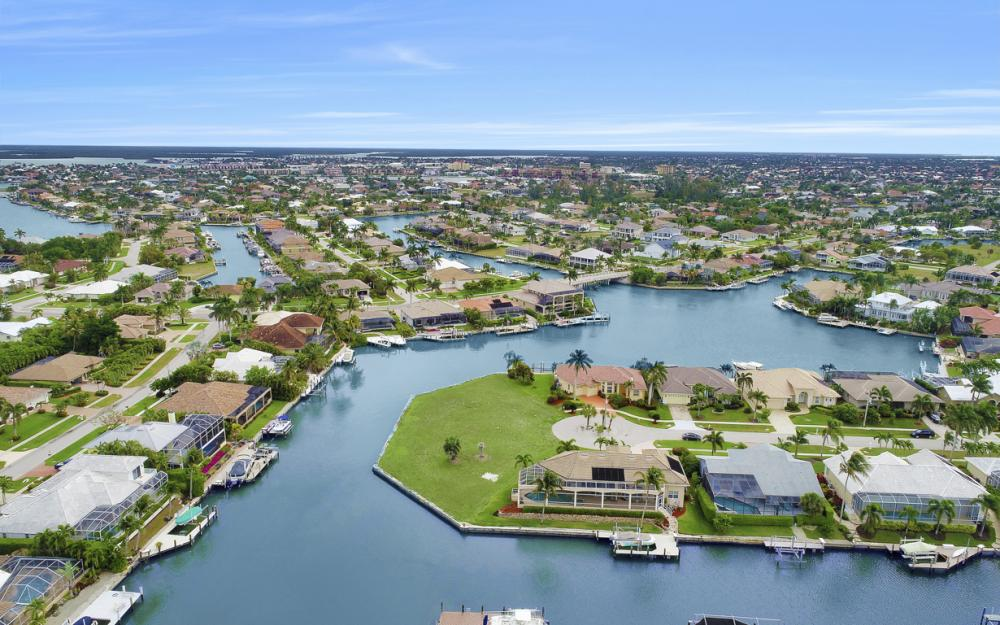 640 Blackmore Ct, Marco Island - Lot For Sale 1837021969