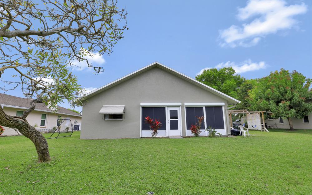 13672 Fern Trail Dr, North Fort Myers - Home For Sale 687808764