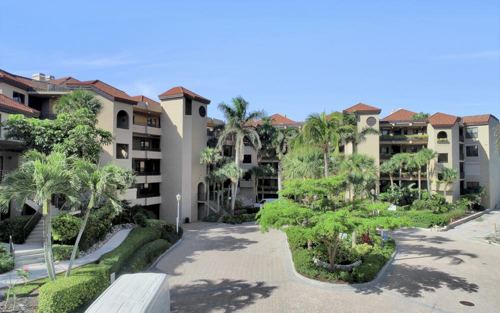 532 La Peninsula Blvd #532, Naples - Condo For Sale 783228841