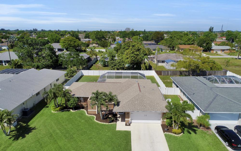 2125 Bolado Pkwy, Cape Coral - Home For Sale 212048916