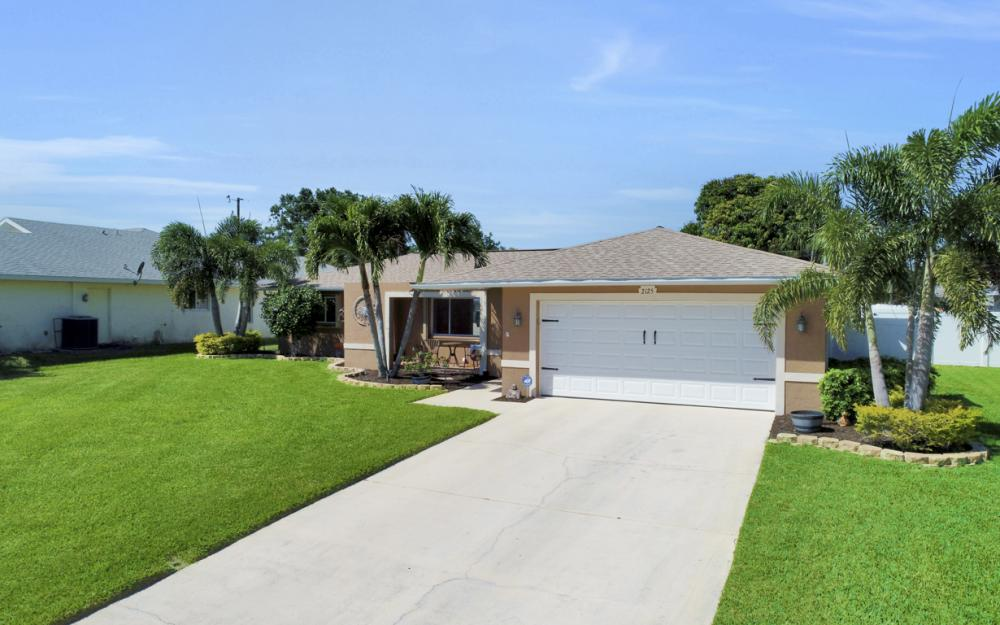 2125 Bolado Pkwy, Cape Coral - Home For Sale 1936887736