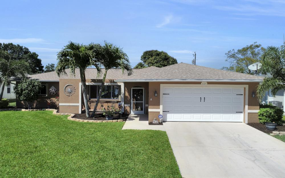 2125 Bolado Pkwy, Cape Coral - Home For Sale 1821124466