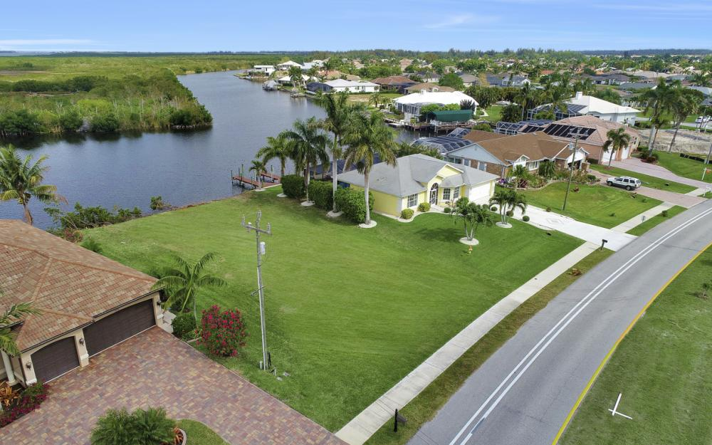 2948 Surfside Blvd, Cape Coral - Lot For Sale 1146917313