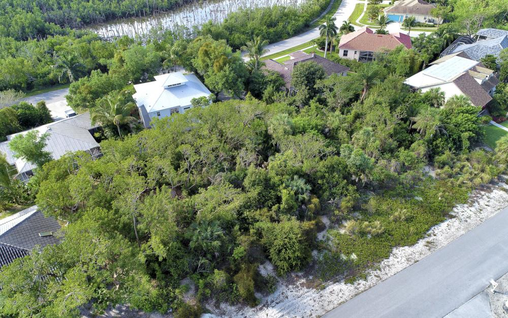 1819 Dogwood Dr, Marco Island - Lot For Sale 1121081158