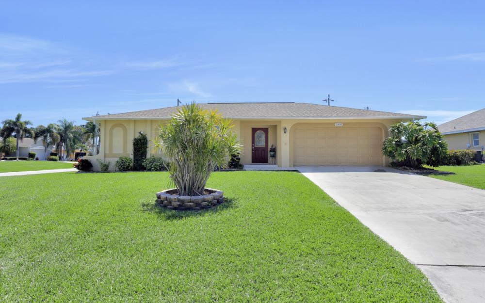 2302 SW 53rd Ter, Cape Coral - Home For Sale 80817457