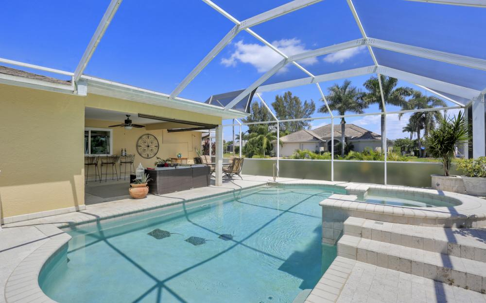2302 SW 53rd Ter, Cape Coral - Home For Sale 2067157704