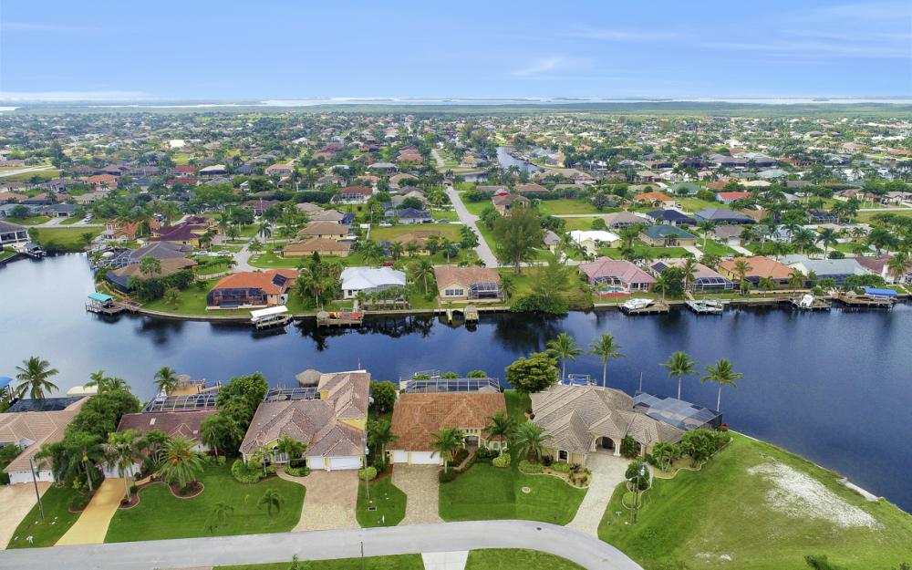2212 SW 49th Ter, Cape Coral - Home for Sale 229141736