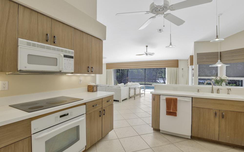 25261 Bay Cedar Dr, Bonita Springs - Home For Sale 145222681