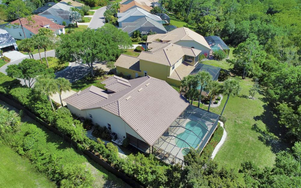 25261 Bay Cedar Dr, Bonita Springs - Home For Sale 2086330784