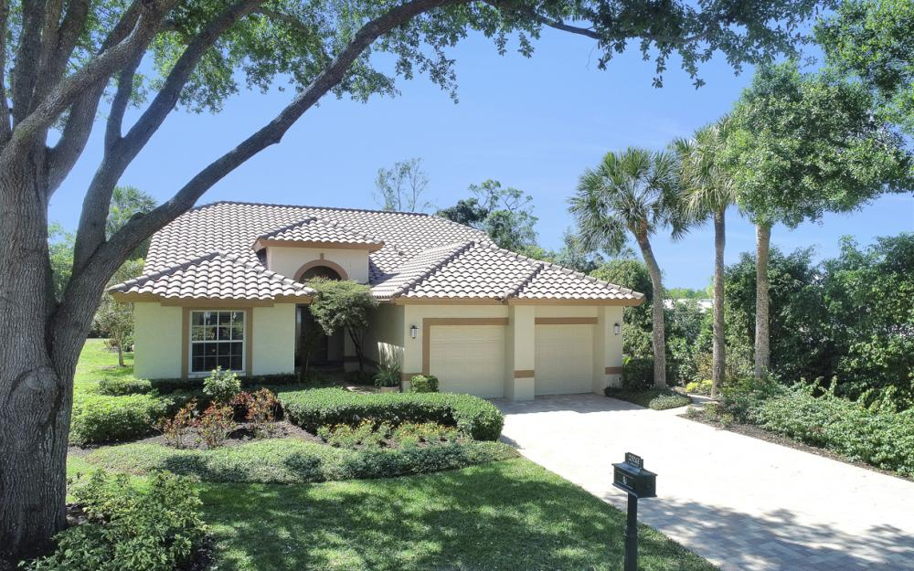 25261 Bay Cedar Dr, Bonita Springs - Home For Sale 529208991