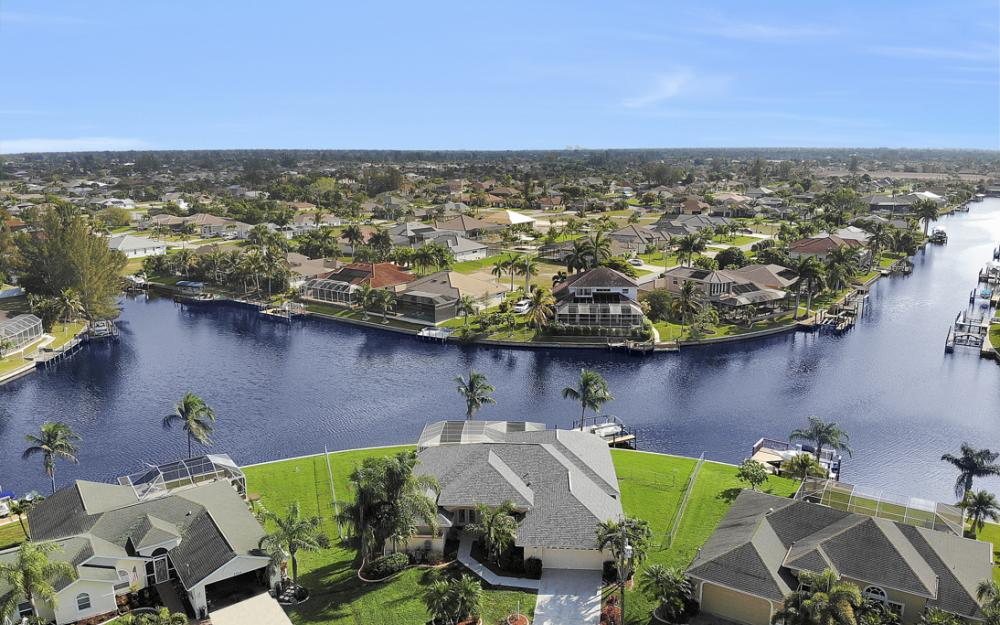 2001 SW 45th Ter, Cape Coral - Home For Sale 2095200786